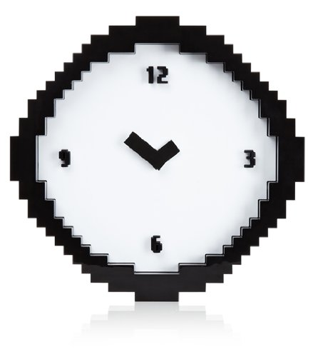 Reloj analógico de pared pixelado. CálleseYCojaMiDinero.com